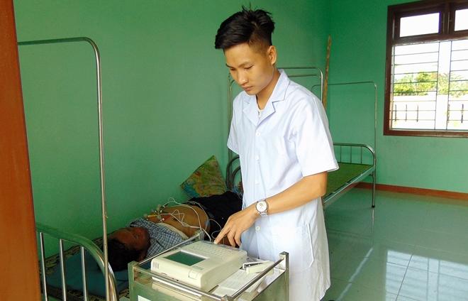 Bệnh viện 199 khám bệnh, cấp phát thuốc miễn phí cho người dân vùng biên giới Quảng Nam - Ảnh minh hoạ 5