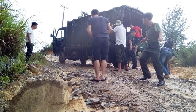 Bệnh viện 199 khám bệnh, cấp phát thuốc miễn phí cho người dân vùng biên giới Quảng Nam - Ảnh minh hoạ 8