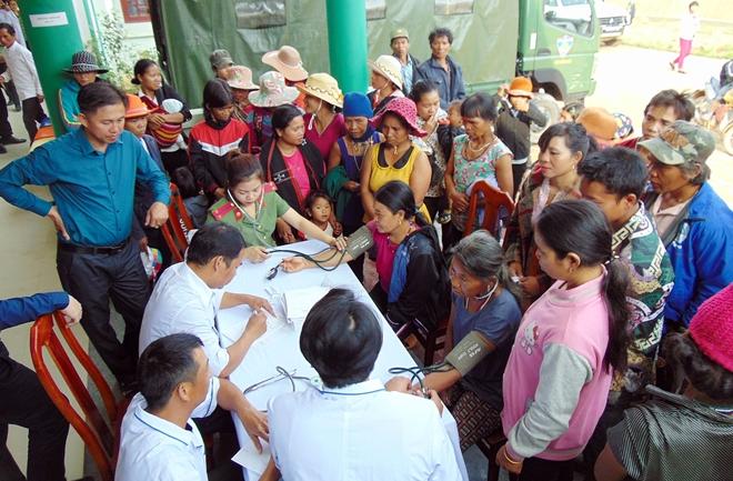 Khám bệnh, cấp phát thuốc miễn phí cho đồng bào Cơ tu tại vùng biên giới - Ảnh minh hoạ 5