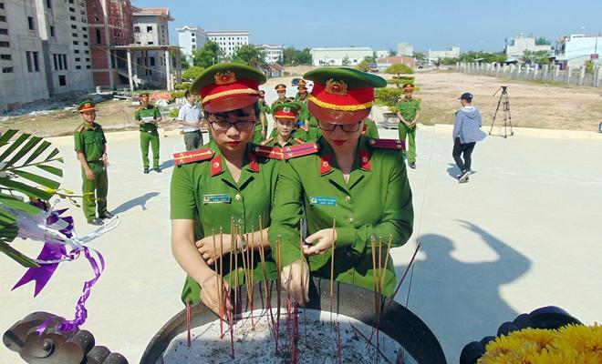 Tuổi trẻ CAND thăm, tặng quà gia đình chính sách, khó khăn tại Quảng Nam - Ảnh minh hoạ 4