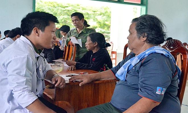 Tuổi trẻ Công an Quảng Nam khám bệnh cho trẻ em và người dân vùng cao - Ảnh minh hoạ 3