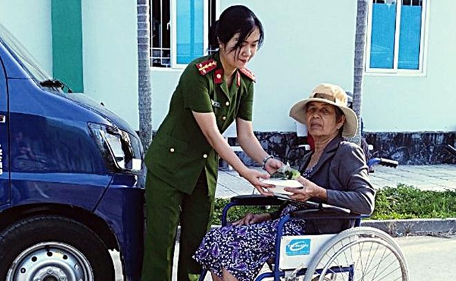 """Ấm áp """"Bữa cơm nghĩa tình"""" tại Bệnh viện Y học cổ truyền Quảng Nam - Ảnh minh hoạ 2"""