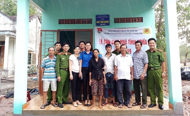 Bàn giao nhà tình nghĩa cho hộ nghèo tại Quảng Nam - Ảnh minh hoạ 2