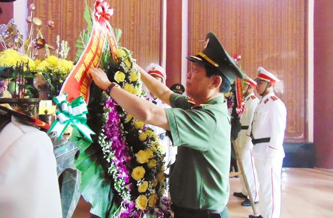 Thứ trưởng Nguyễn Văn Sơn dâng hoa, dâng hương tại Khu di tích An ninh khu V - Ảnh minh hoạ 3