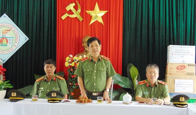 Thứ trưởng Nguyễn Văn Sơn dâng hoa, dâng hương tại Khu di tích An ninh khu V - Ảnh minh hoạ 4