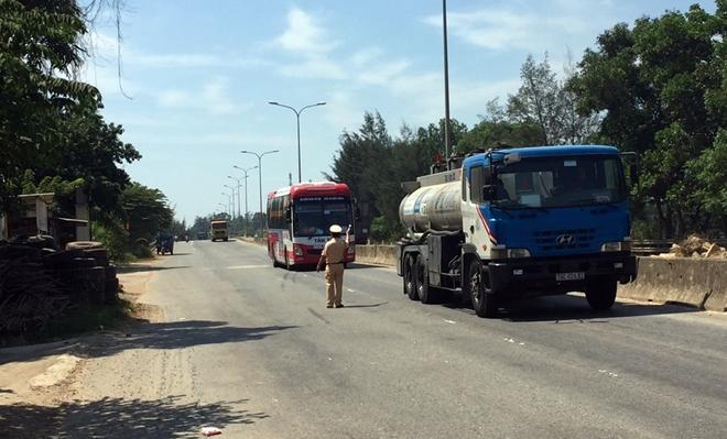 Công an các tỉnh ra quân tổng kiểm soát phương tiện đường bộ - Ảnh minh hoạ 17