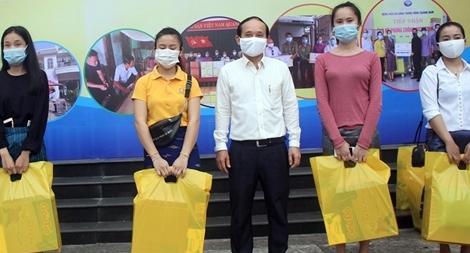 Hỗ trợ sinh viên Lào vượt khó trong mùa dịch COVID-19