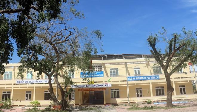 Hỗ trợ kinh phí khắc phục trường học hư hỏng sau bão số 9