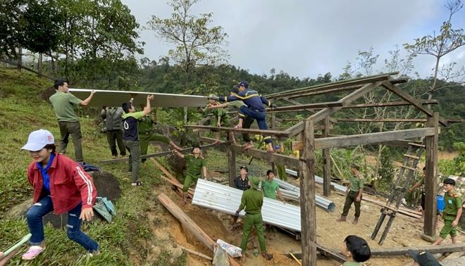Xung kích giúp người dân dựng lại nhà sau bão lụt - Ảnh minh hoạ 2