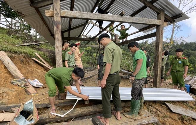 Xung kích giúp người dân dựng lại nhà sau bão lụt - Ảnh minh hoạ 6
