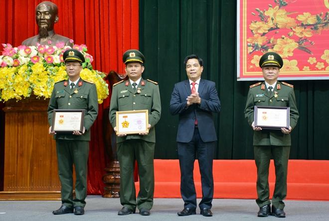Khen thưởng nhiều tập thể, cá nhân thuộc Công an tỉnh Quảng Nam
