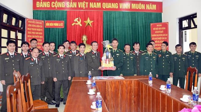Công an Quảng Nam tặng quà Tết ở vùng biên giới - Ảnh minh hoạ 3