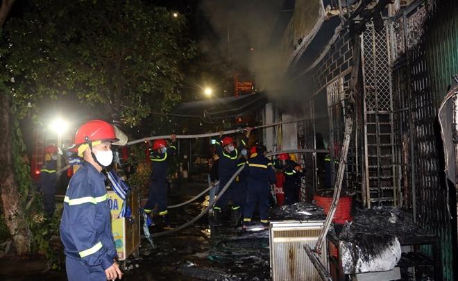 Giải cứu 6 người trong đám cháy rạng sáng mùng 4 Tết - Ảnh minh hoạ 3