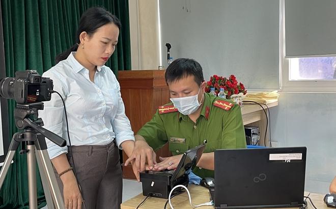 Công an Quảng Nam triển khai làm CCCD cả ngày lẫn đêm - Ảnh minh hoạ 7