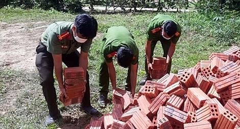 Tuổi trẻ Công an tham gia hỗ trợ xây dựng 3 căn nhà nhân ái