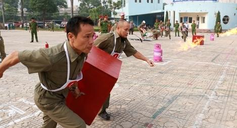 Hội thi chữa cháy, cứu nạn tại quận Thanh Xuân