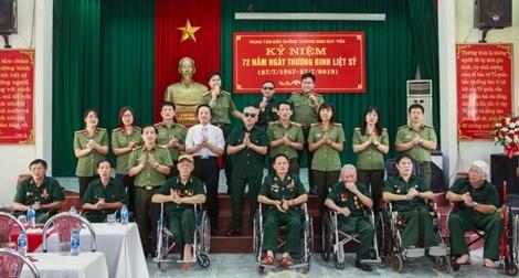 Học viện ANND thăm, tặng quà Trung tâm điều dưỡng thương binh Duy Tiên
