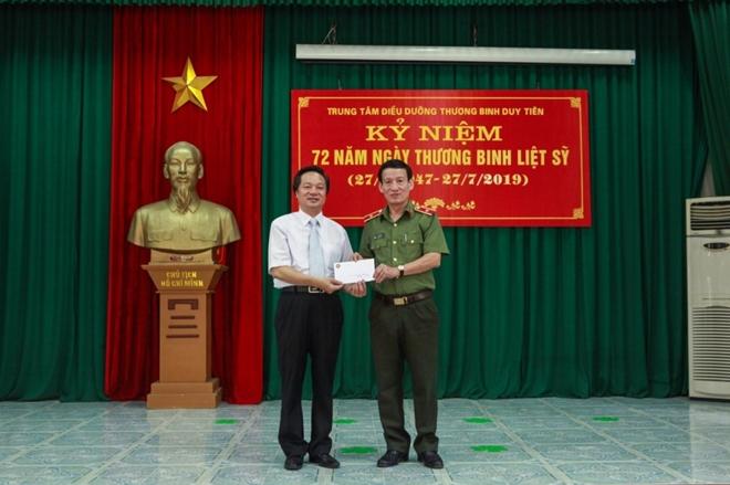 Học viện ANND thăm, tặng quà Trung tâm điều dưỡng thương binh Duy Tiên - Ảnh minh hoạ 2