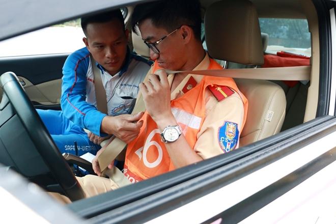 Nâng cao kỹ năng lái xe an toàn cho CSGT dẫn đoàn - Ảnh minh hoạ 3