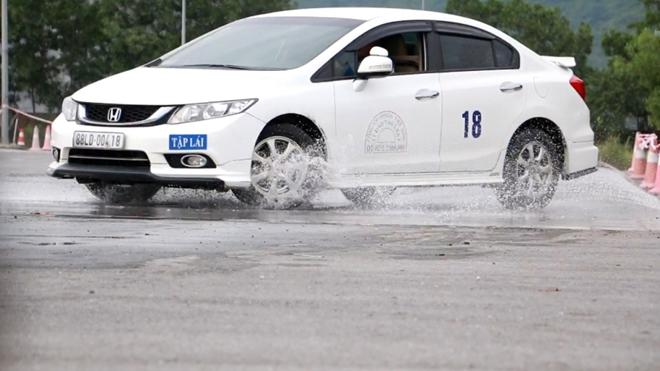 Nâng cao kỹ năng lái xe an toàn cho CSGT dẫn đoàn - Ảnh minh hoạ 6