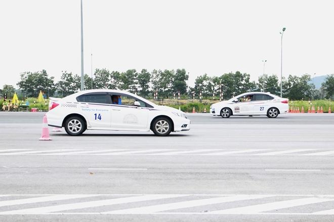 Nâng cao kỹ năng lái xe an toàn cho CSGT dẫn đoàn - Ảnh minh hoạ 9