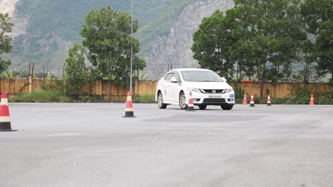 Nâng cao kỹ năng lái xe an toàn cho CSGT dẫn đoàn - Ảnh minh hoạ 5