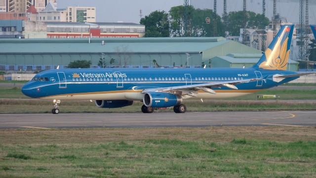 Hàng loạt chuyến bay phải hủy, hoãn do ảnh hưởng của siêu bão Mangkhut