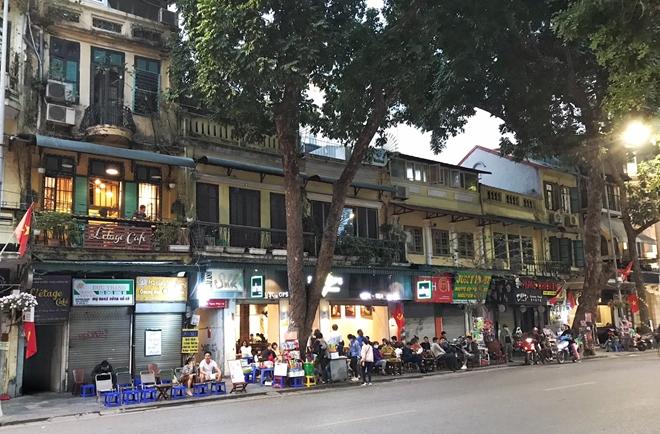 Hà Nội cho quán cafe được mở cửa lại từ ngày 2/3