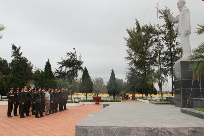 Viện Chiến lược và Khoa học Công an sinh hoạt chính trị tại Đảo Cô Tô