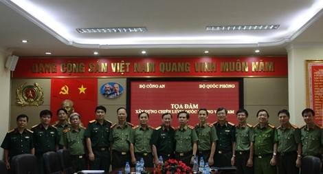 """Tọa đàm """"Xây dựng Chiến lược Quốc phòng Việt Nam"""""""
