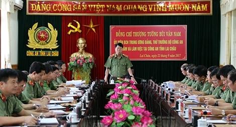 Thứ trưởng Bùi Văn Nam làm việc tại Công an tỉnh Lai Châu