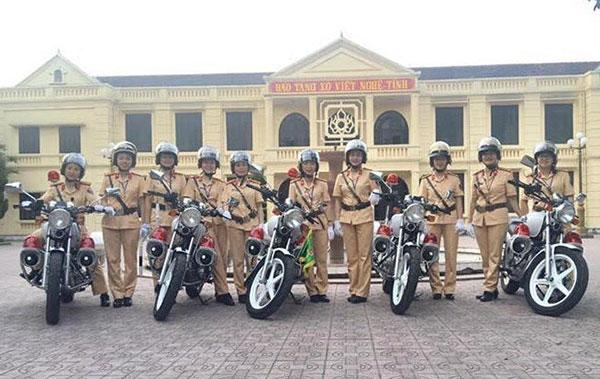 Tiểu đội nữ CSGT đặc biệt của xứ Nghệ