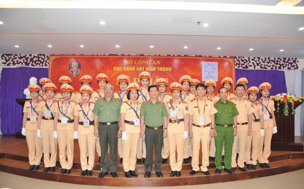 Thứ trưởng Nguyễn Văn Sơn động viên lực lượng CSGT tham gia phục vụ Tuần lễ cấp cao APEC - Ảnh minh hoạ 7