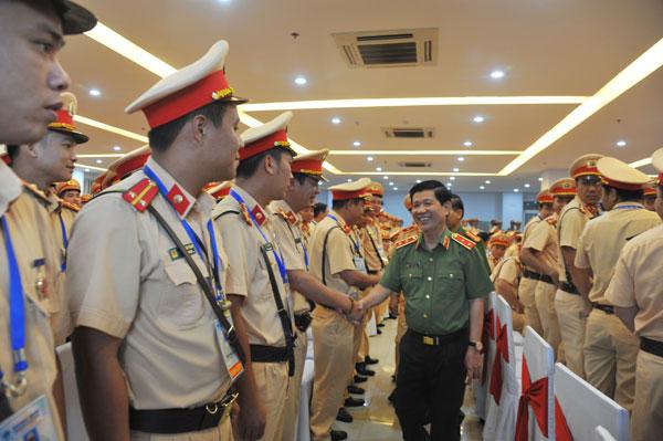 Thứ trưởng Nguyễn Văn Sơn động viên lực lượng CSGT tham gia phục vụ Tuần lễ cấp cao APEC