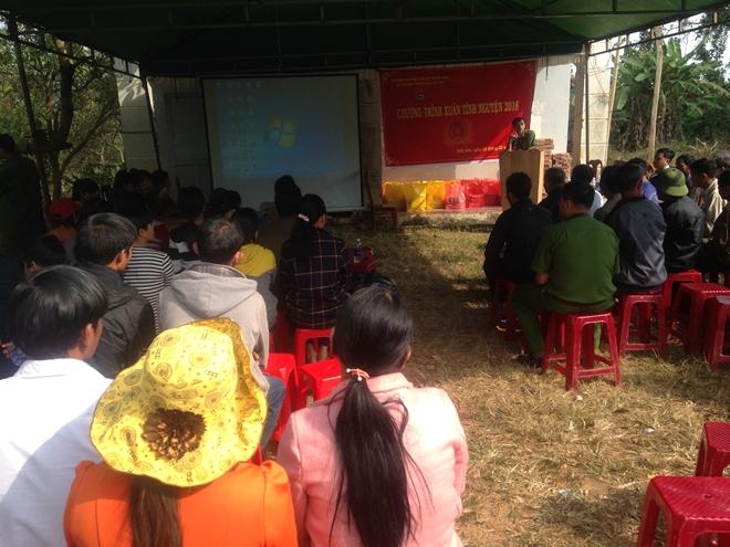 Công an huyện Krông Nô (Đắk Nông) hoạt động thiện nguyện vùng sâu, vùng xa
