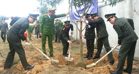 Công an tỉnh Hà Tĩnh phát động Tết trồng cây Xuân Mậu Tuất
