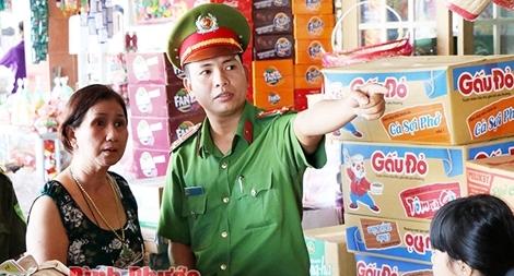 Thượng úy Nguyễn Trường Thi tận tụy phục vụ nhân dân