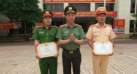 Hai cán bộ Công an Đắk Lắk được Bộ Công an khen thưởng