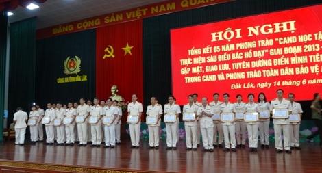 Công an tỉnh Đắk Lắk nhận được nhiều thư khen