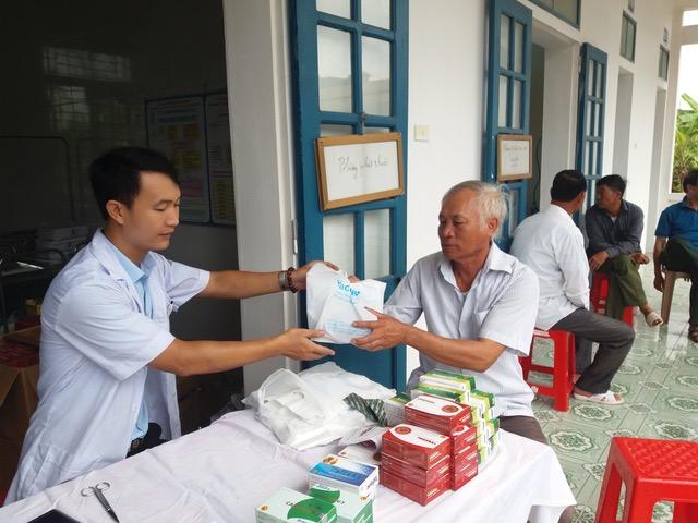 Bệnh viện 198 khám bệnh, cấp phát thuốc miễn phí tại Nam Định - Ảnh minh hoạ 2