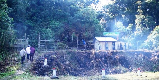 Đồng bào Xê Đăng lập chốt giữ rừng