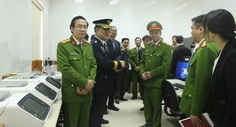 Bàn giao trang thiết bị giám định ADN hiện đại của cơ quan Cảnh sát Hàn Quốc