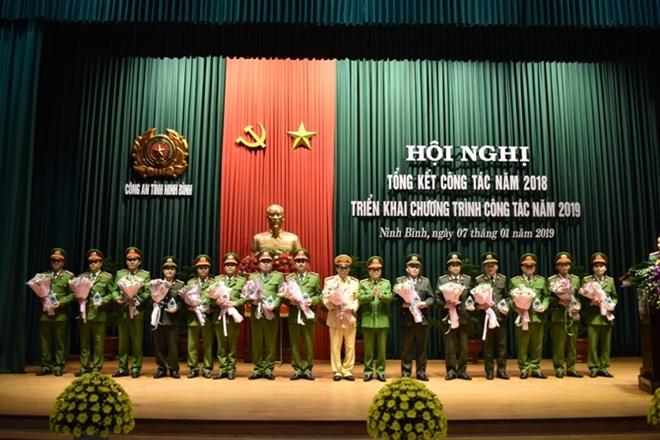 Công an tỉnh Ninh Bình tổng kết công tác năm 2018 và  triển khai công tác năm 2019 - Ảnh minh hoạ 4