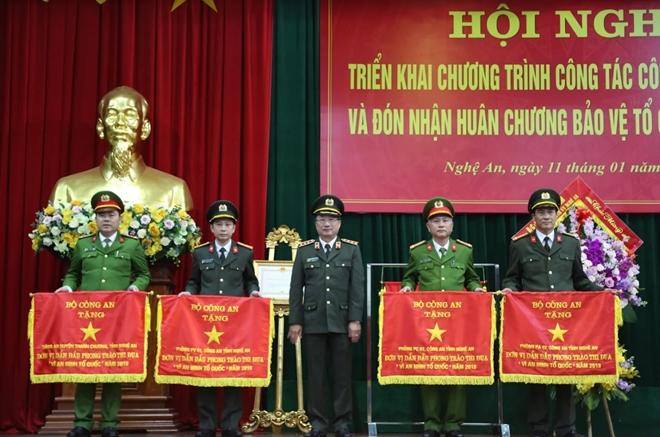 Thứ trưởng Nguyễn Văn Thành dự Hội nghị triển khai Công tác năm 2019 của Công an tỉnh Nghệ An - Ảnh minh hoạ 3