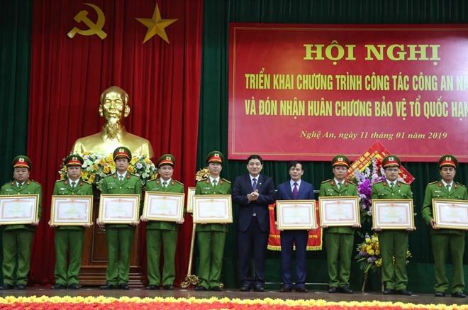 Thứ trưởng Nguyễn Văn Thành dự Hội nghị triển khai Công tác năm 2019 của Công an tỉnh Nghệ An - Ảnh minh hoạ 5