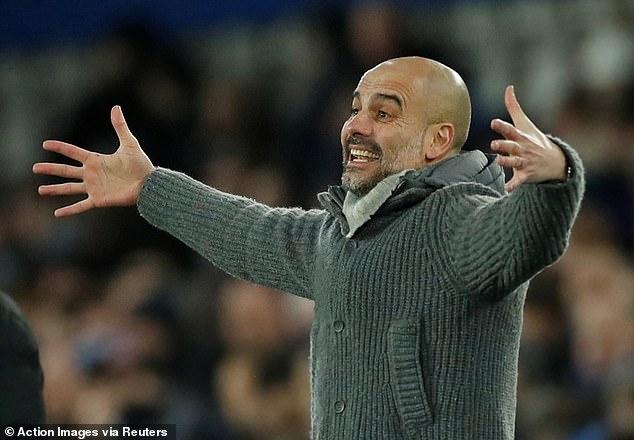 Pep Guardiola muốn ManCity không bỏ cuộc trong cuộc đua vô địch.