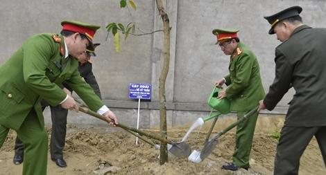 Công an các tỉnh, thành phát động Tết trồng cây Xuân Kỷ Hợi 2019