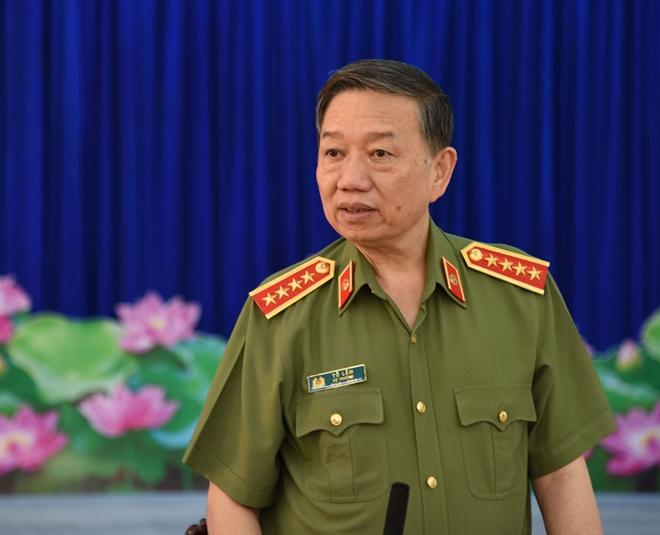 Bộ trưởng Tô Lâm kiểm tra công tác tại Công an tỉnh Cà Mau - Ảnh minh hoạ 2