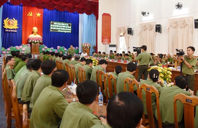 Bộ trưởng Tô Lâm kiểm tra công tác tại Công an tỉnh Cà Mau - Ảnh minh hoạ 3
