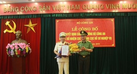 Thiếu tướng Tô Văn Huệ đảm nhiệm chức vụ Cục trưởng Cục Hồ sơ Nghiệp vụ
